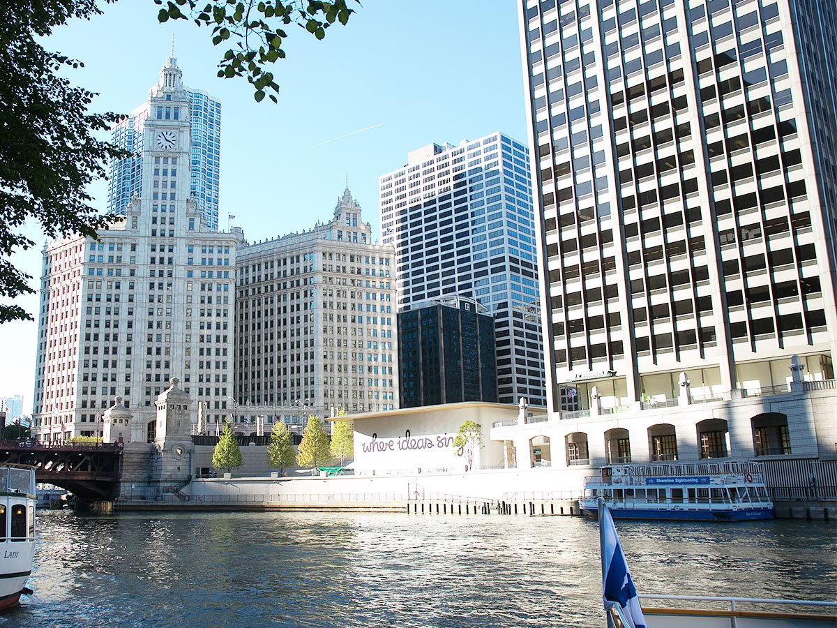 Michigan Avenue Bridge, Wrigley Building, and Tribune Tower, 2017