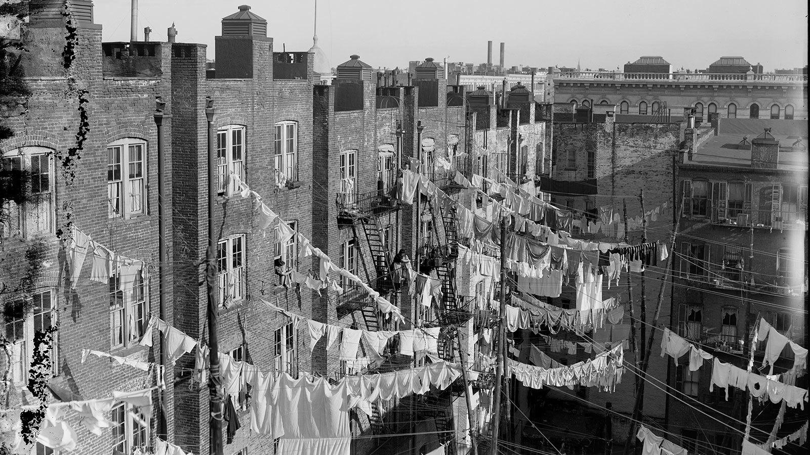 The Tenement Wttw Chicago