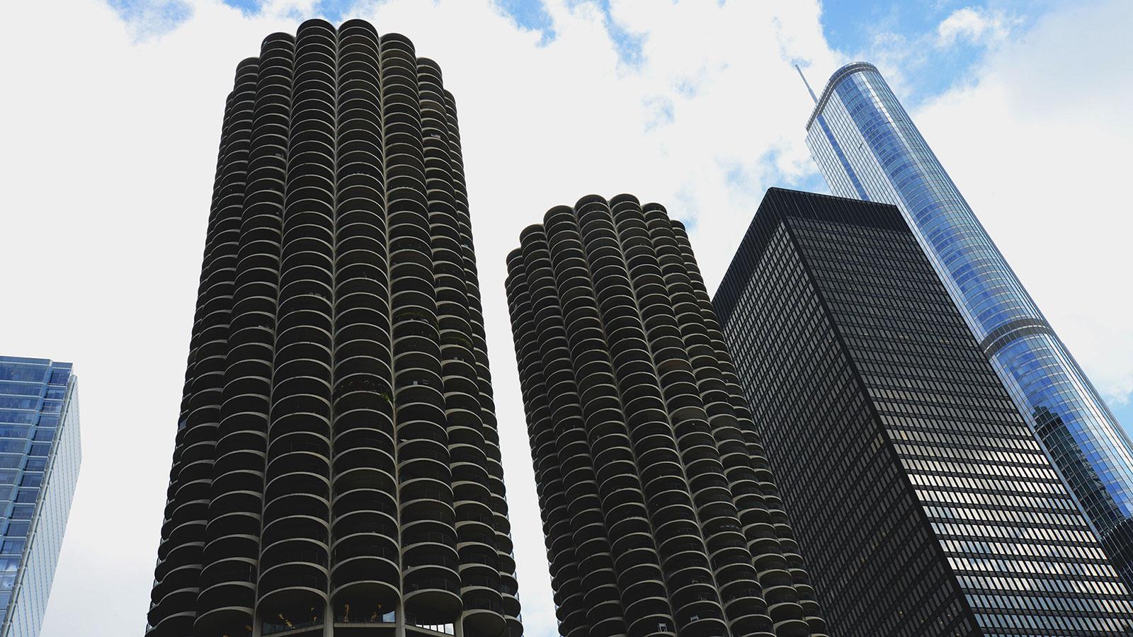 Chicago Mies Van Der Rohe Tour marina city | wttw chicago