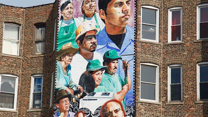 A panel of <em>Increíbles Las Cosas Que Se Ven</em>, a mural by Mark Zimmerman