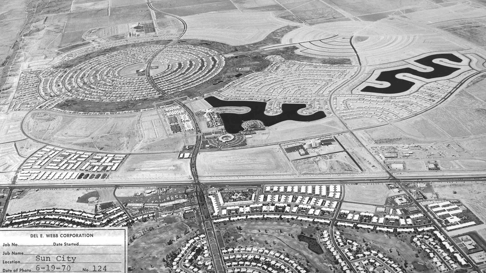Sun city arizona wttw chicago public media television and sun citys distinctive layout was anchored by two circles of concentric streets making the village instantly identifiable from the air publicscrutiny Gallery