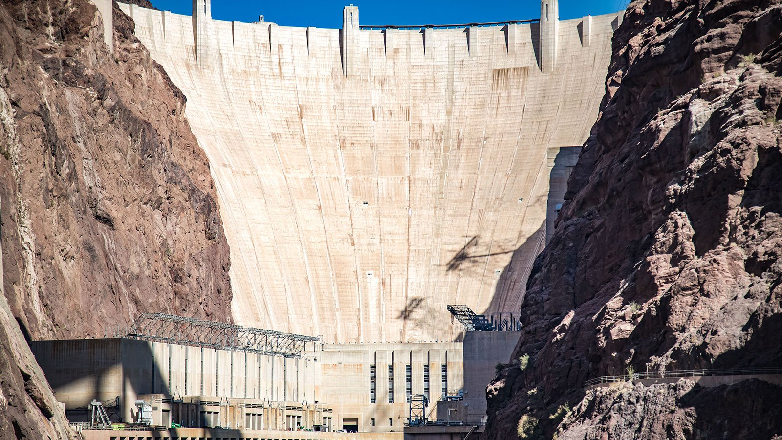 The Hoover Dam with the Hoover Dam Bypass in the foreground, 2017