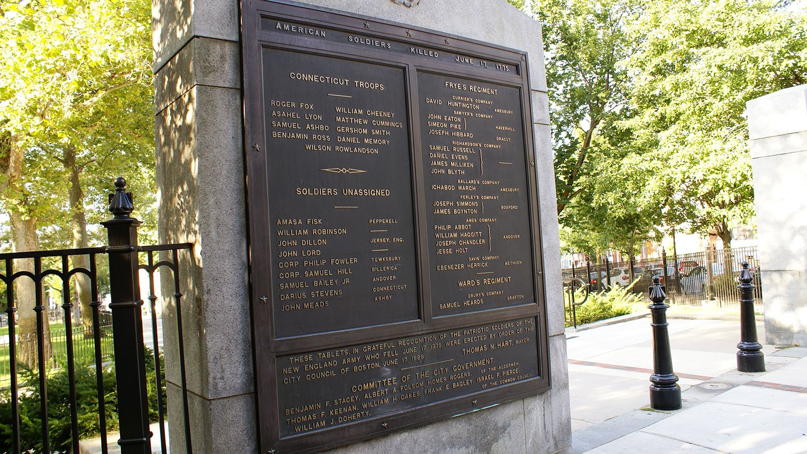 Plaque near the Massachusetts gate, outside the Bunker Hill Monument, commemorates the Revolutionary soldiers killed at the Battle of Bunker Hill