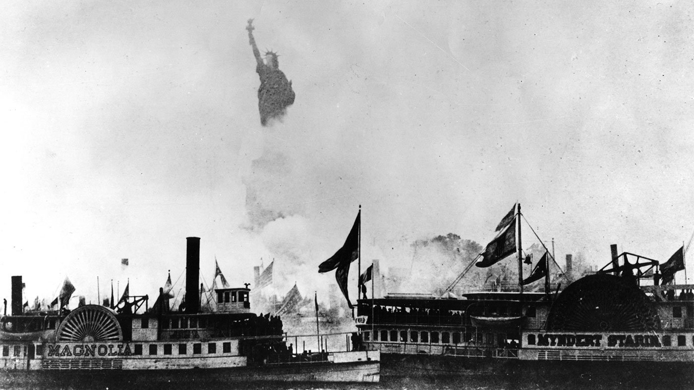 Boats crowd into New York Harbor for the dedication of 'Liberty Enlightening the World' on October 28, 1886