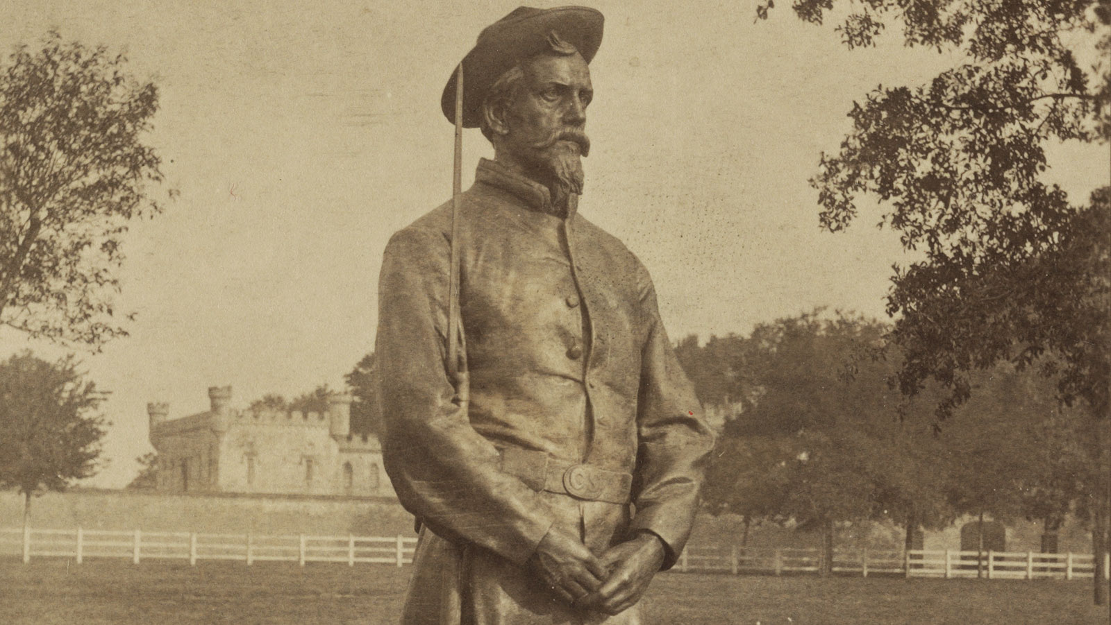 A standing Confederate soldier by sculptor David Richards