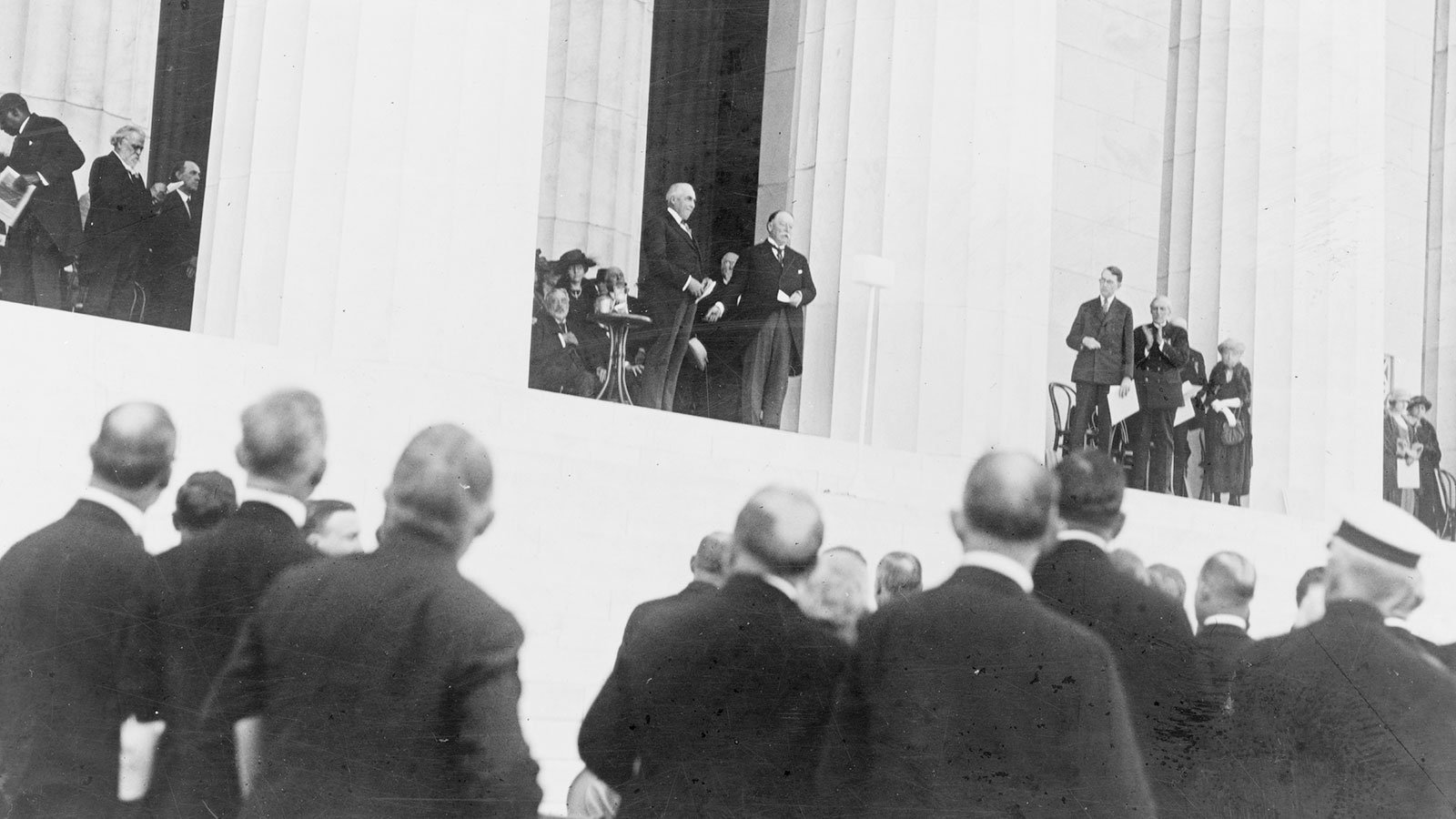 Chief Justice William H. Taft turning over the memorial and President Warren G. Harding receiving it on behalf of the United States