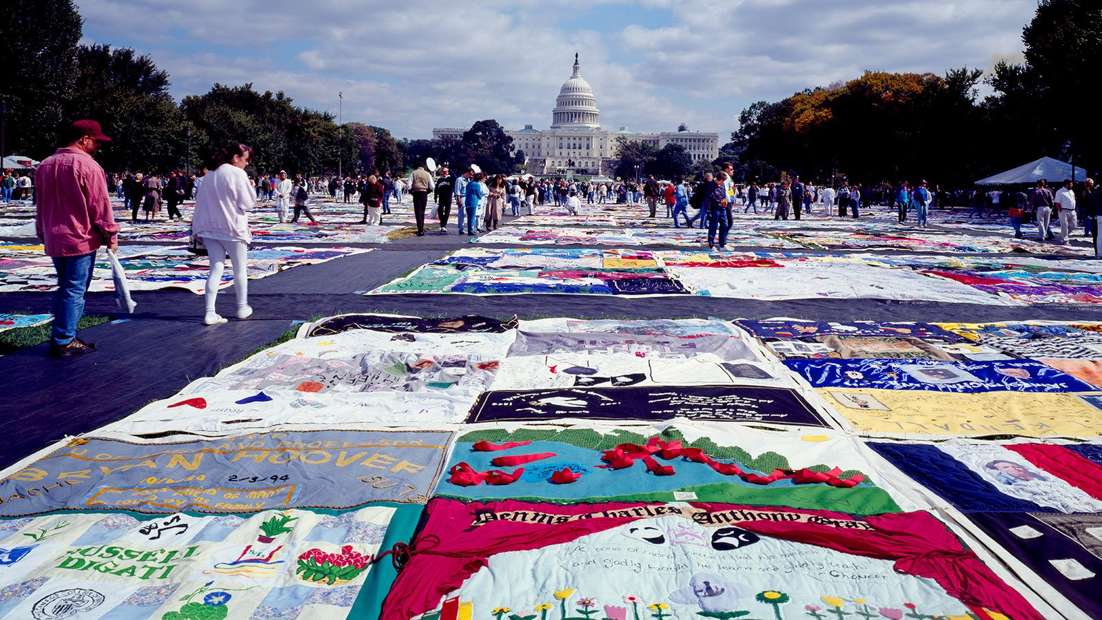 The AIDS Memorial Quilt on display on the National Mall in Washington, D.C. in 1987