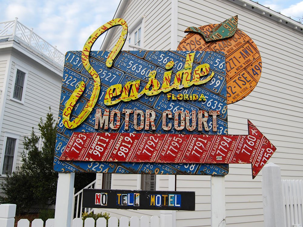 Seaside Motor Court sign