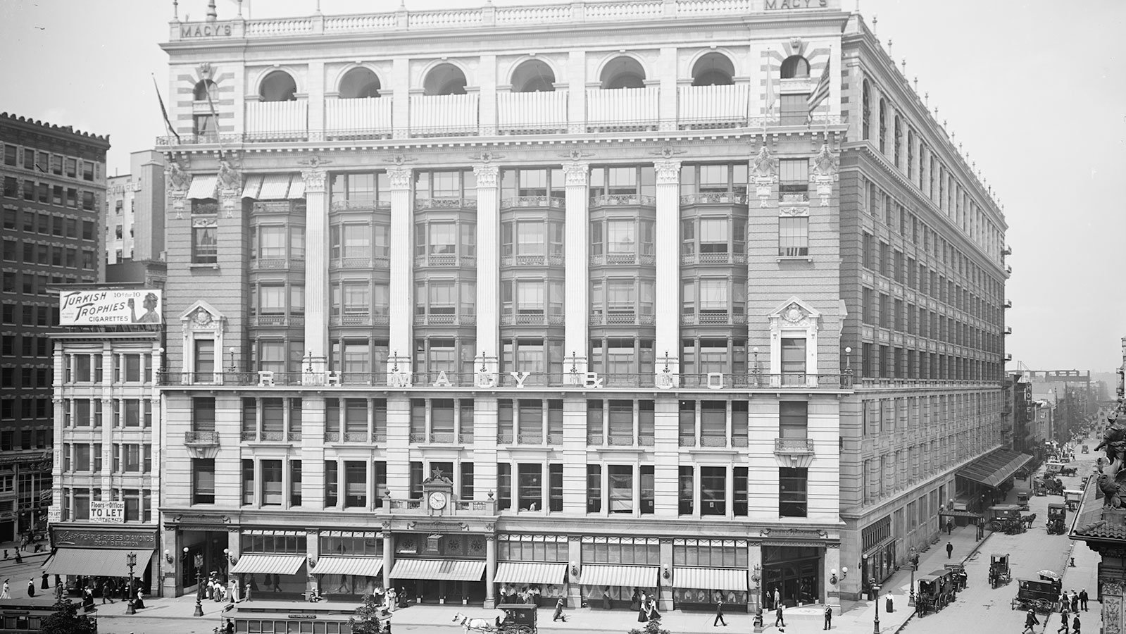 R. H. Macy and Co., on Broadway and West 34th Street, circa 1905