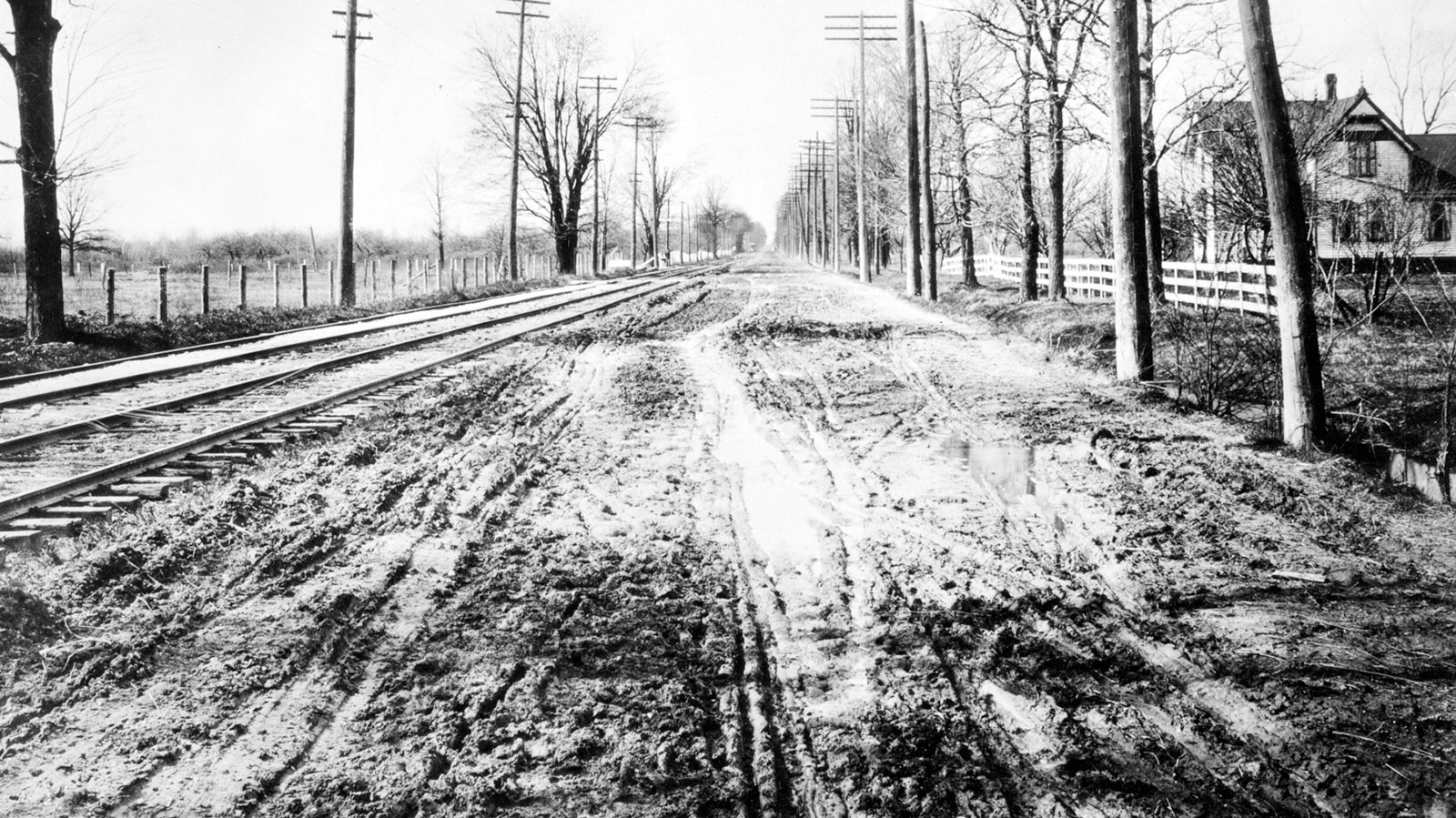 Woodward Avenue between Six and Seven Mile roads in 1908