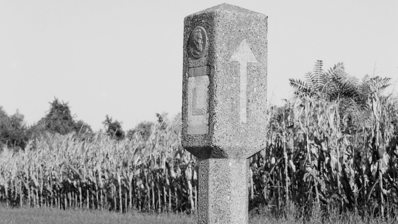Lincoln Highway marker in Fallsington, Pennsylvania
