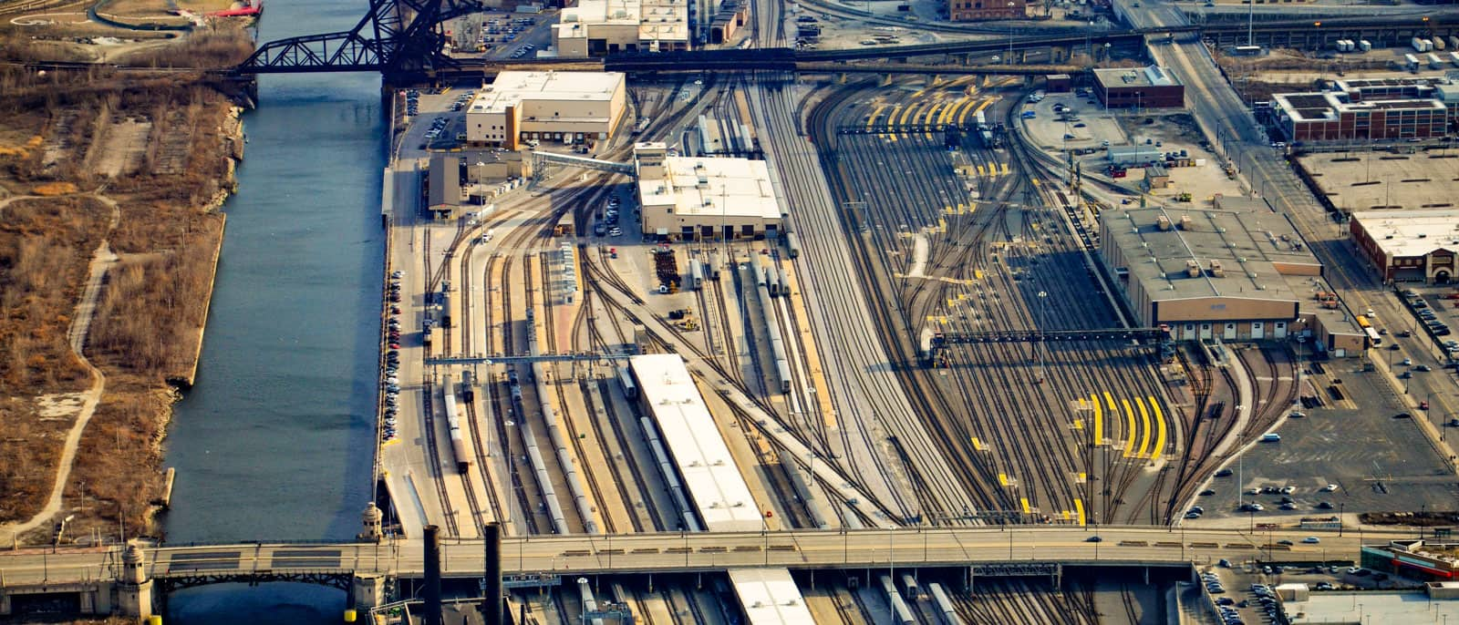 Chicago railyard next to the Chicago River