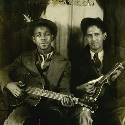 Southern song collector and musician Lesley Riddle, right, with blues artist Brownie McGhee, c.1935. Photo: Courtesy of The Smith Family