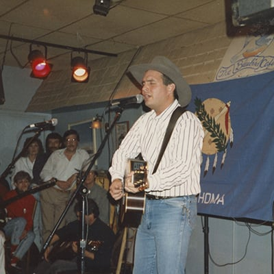 Garth Brooks at the Bluebird Café, Nashville, c.1988. Photo: Courtesy of Amy Kurland