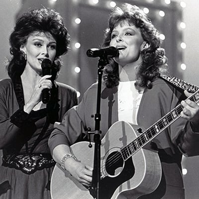 Naomi and Wynonna Judd, c.1984. Photo: Courtesy of Country Music Hall of Fame® and Museum