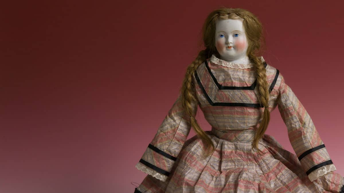 Doll that survived the Chicago Fire