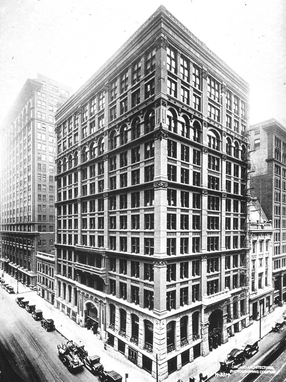 1931 picture of Chicago's Home Insurance Building