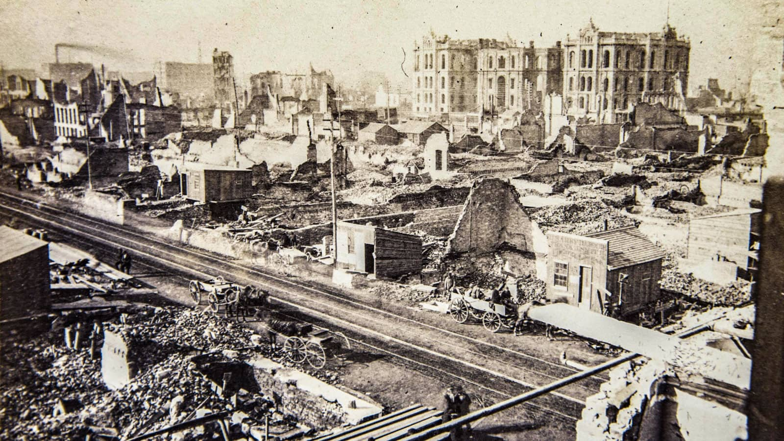 Ruins of buildings in Chicago after the Great Chicago Fire
