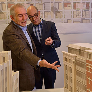 WTTW host Geoffrey Baer (right) with architect David M. Schwarz.