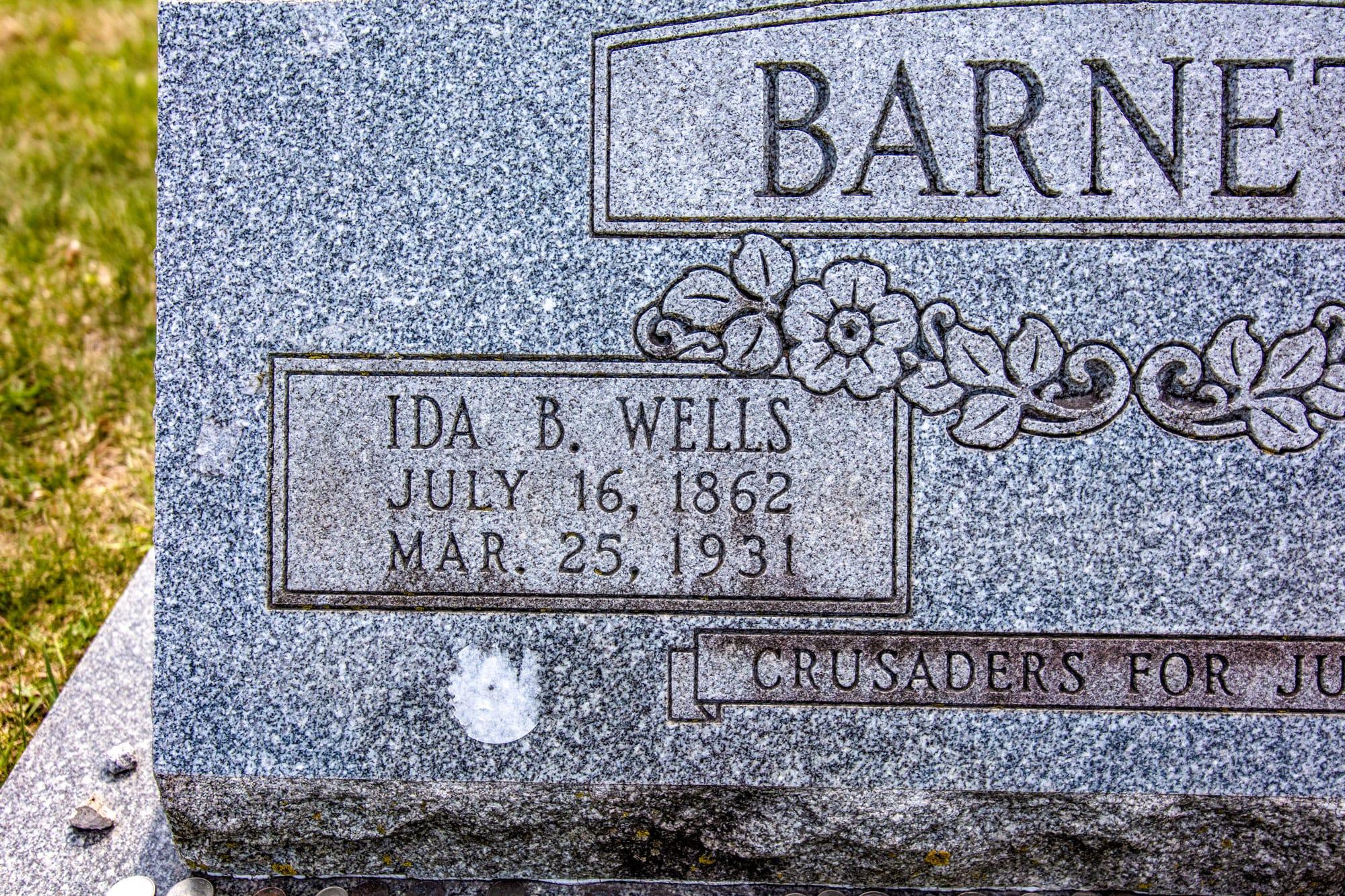 Ida B. Wells gravestone