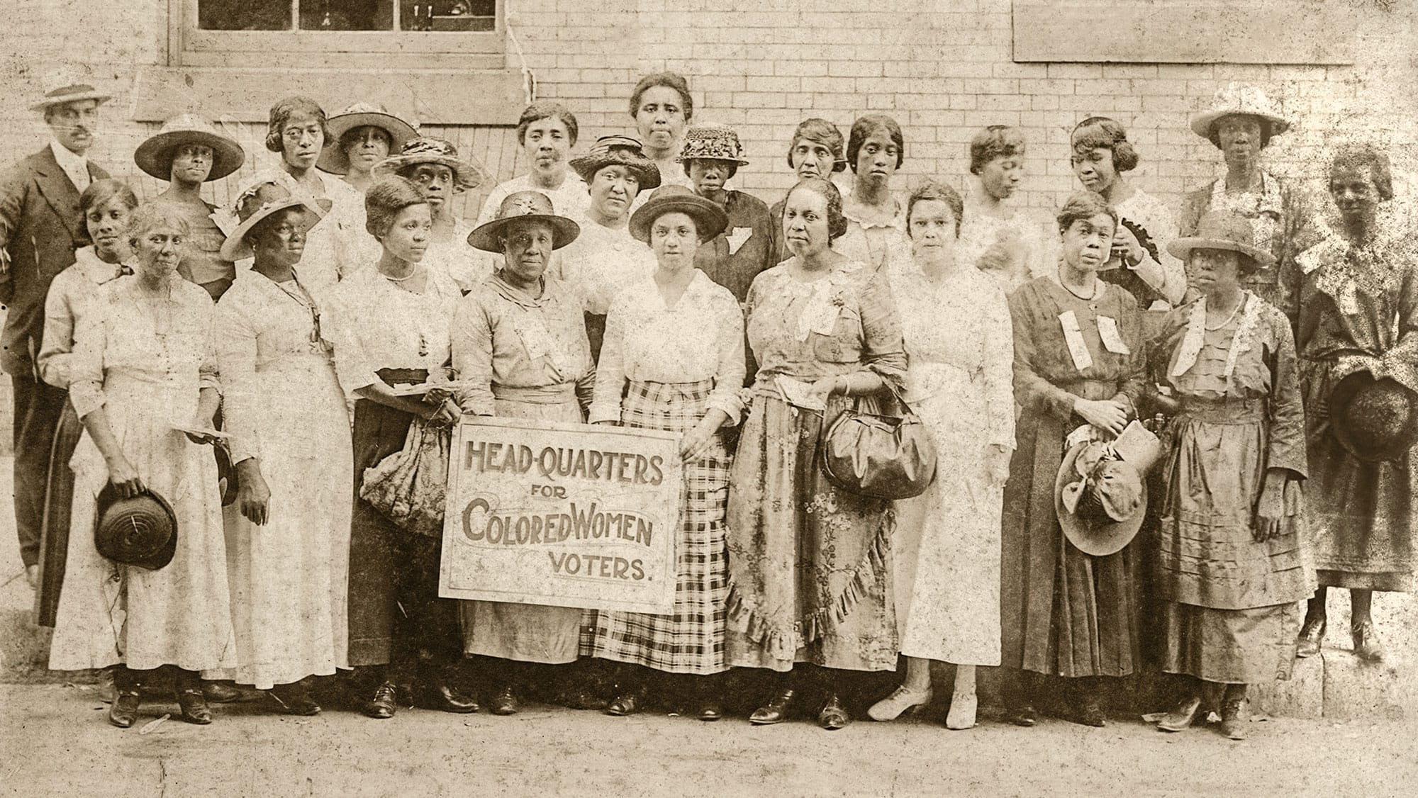 A group of Black suffragists from between 1920 and 1920
