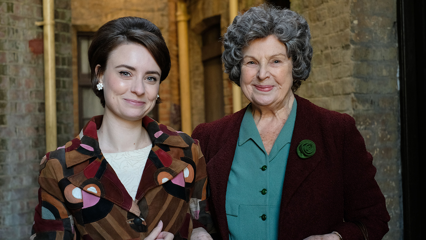 Valerie Dyer (JENNIFER KIRBY), Elsie Dyer (ANN MITCHELL) in Call the Midwife. Photo: BBC/Neal Street Productions