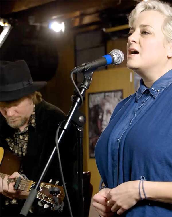 Kelly Hogan and Scott Ligon performing