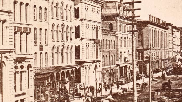 Buildings and people along LaSalle Street in Chicago before the Great Chicago Fire