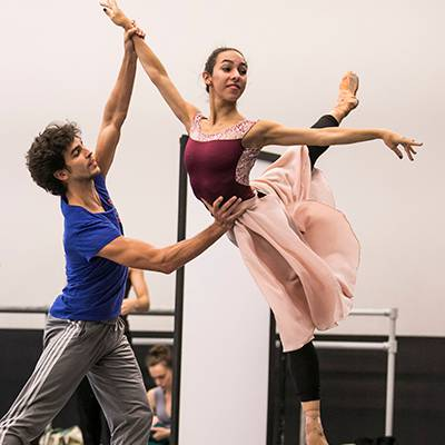 Alberto Velazquez and Amanda Assucena in rehearsal (Photo by Todd Rosenberg)