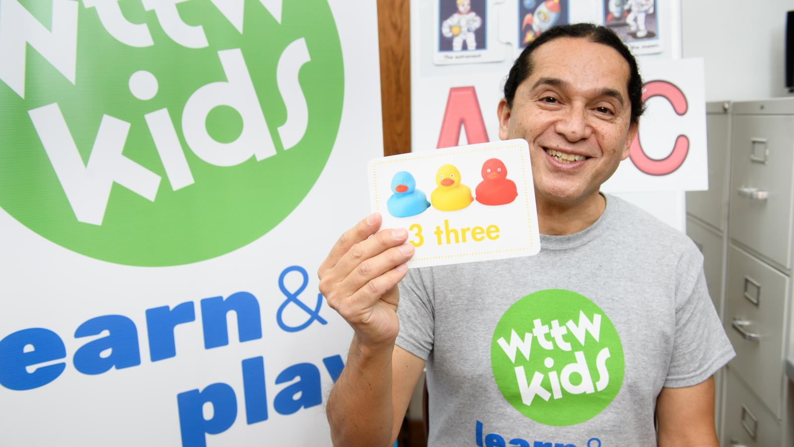 WTTW Kids Learn & Play: Shaping Shapes