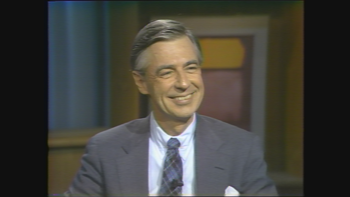 Fred Rogers on WTTW's Chicago Tonight in 1985.