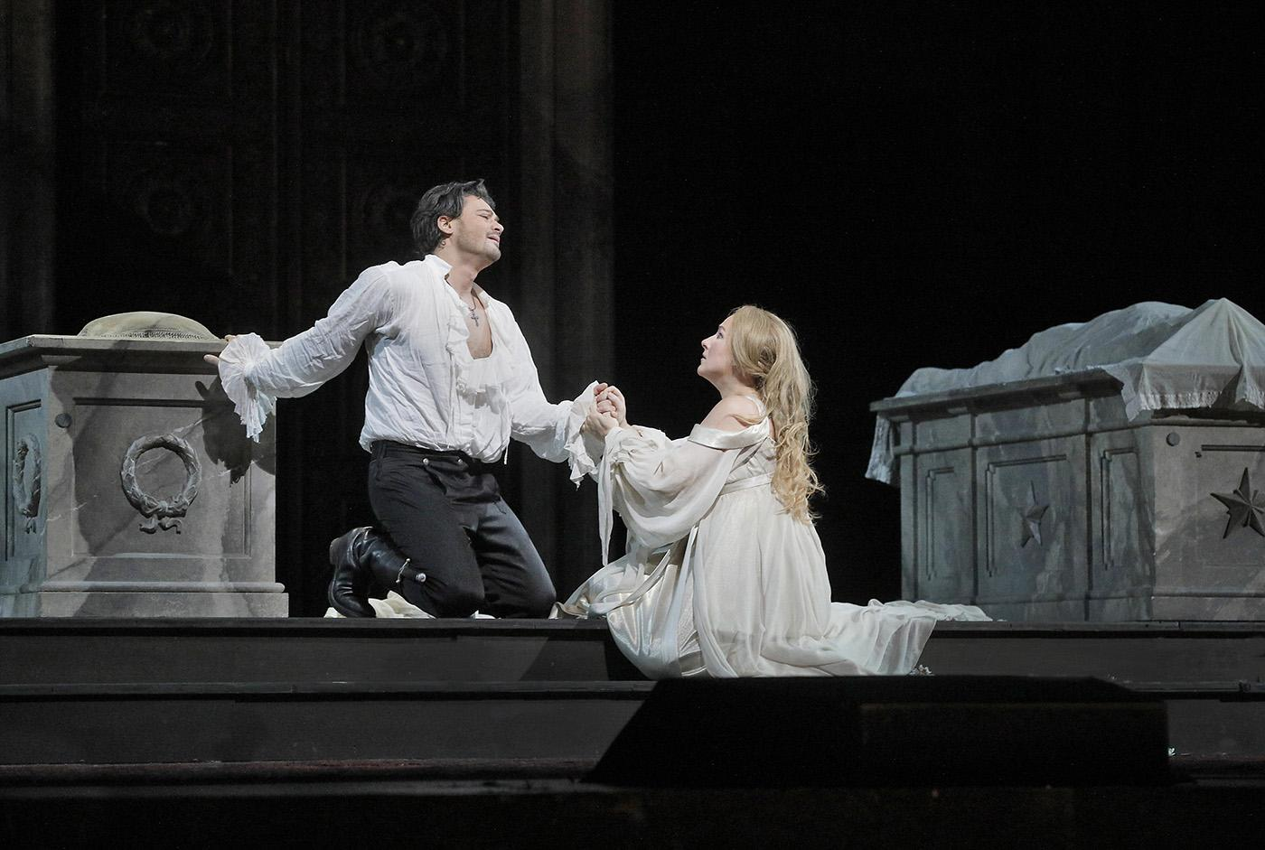 Vittorio Grigolo as Roméo and Diana Damrau as Juliette in Gounod's opera at the Met. Photo: Ken Howard/Metropolitan Opera