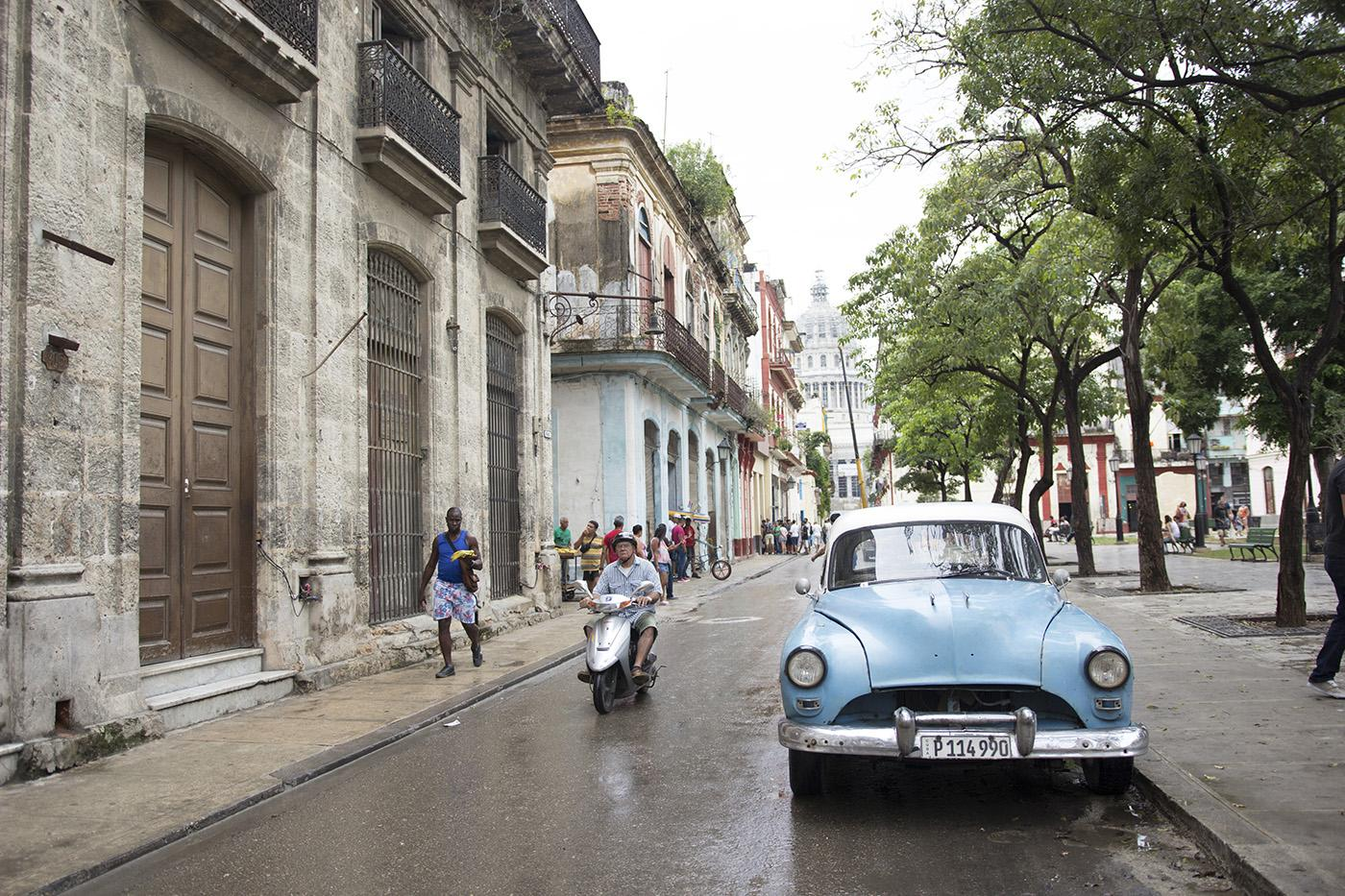 Vintage car along the Plaza de Cristo in Havana Vieja. Photo: WTTW and Brian Canelles