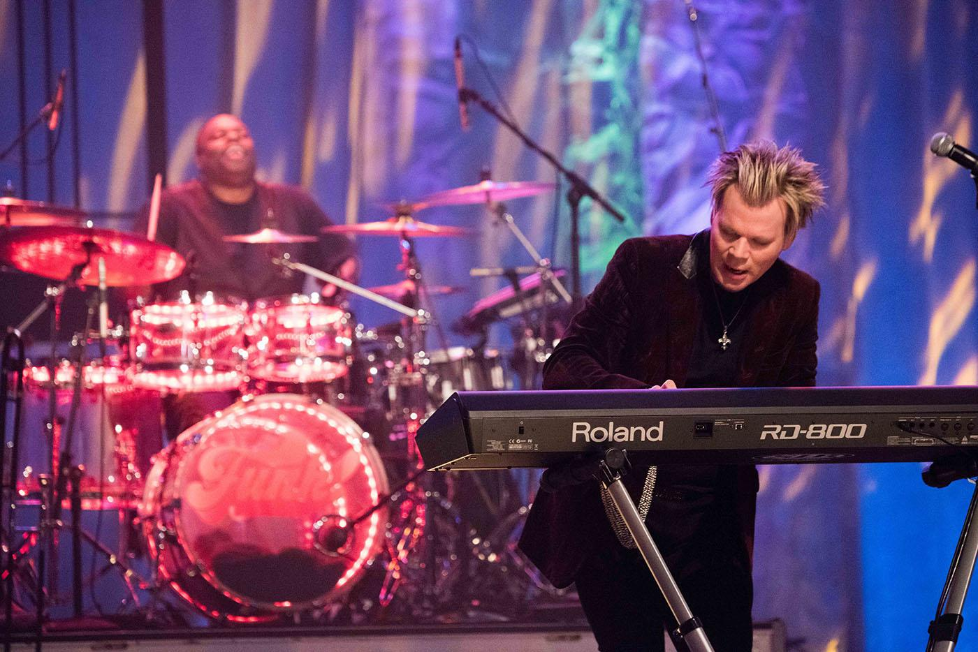 Brian Culbertson performing on The Experience in WTTW's Grainger Studio.