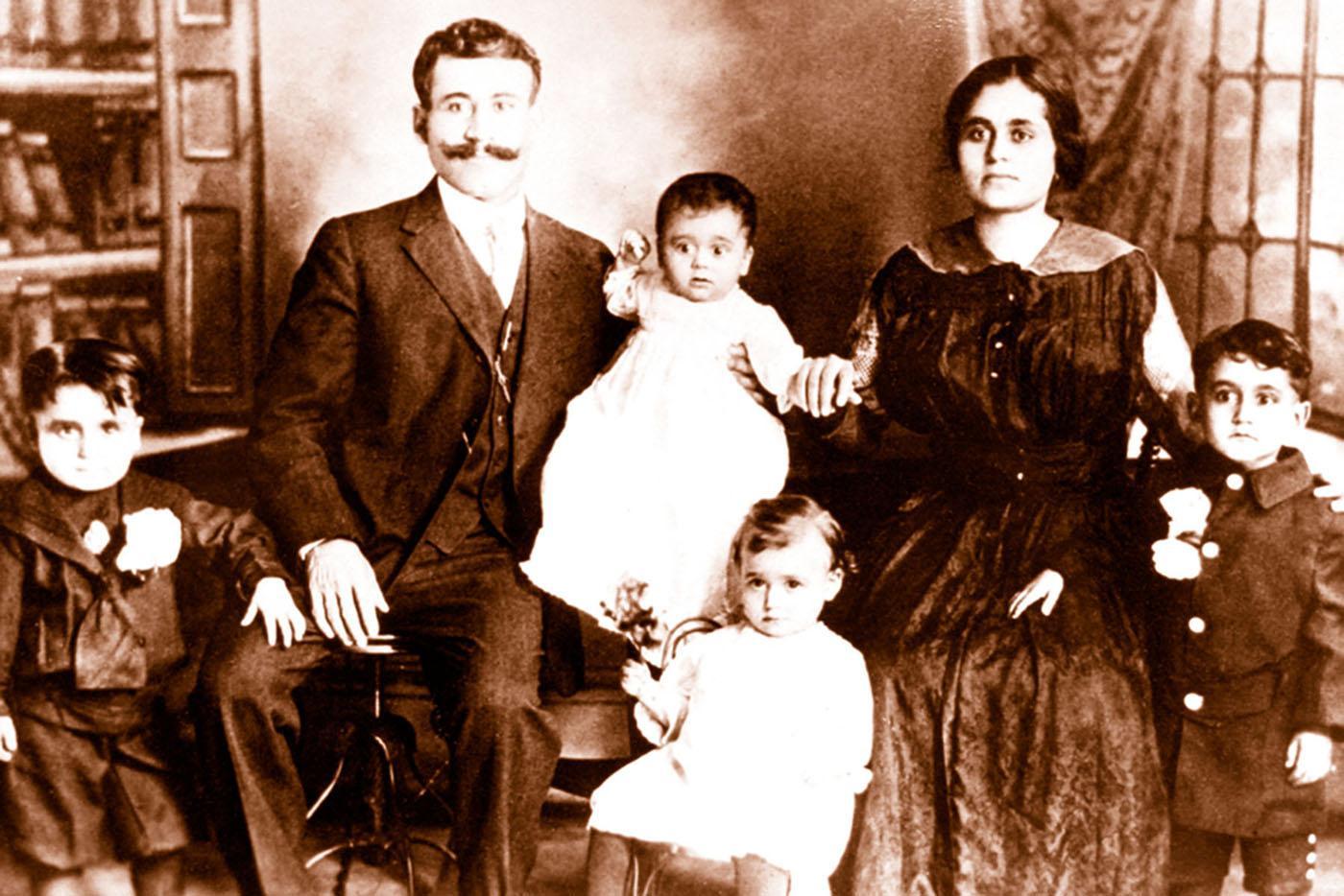 The Brohakan Family in Birmingham, Alabama, in 1923.