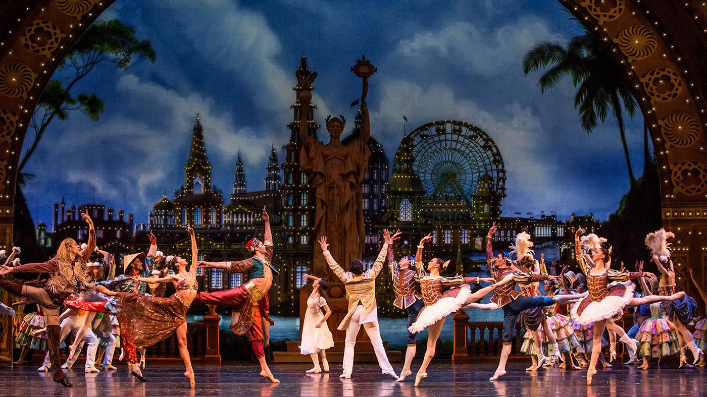 The Joffrey Ballet's new Nutcracker set at the Chicago World's Fair. Photo: Cheryl Mann