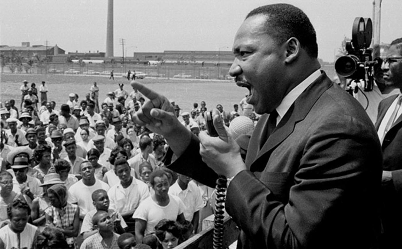 Dr. Martin Luther King, Jr. at Robert Taylor Homes in Chicago. Photo: Getty Images