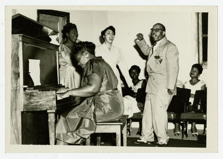 Mildred Falls accompanies Mahalia Jackson, Princess Stewart, and Theodore Frye. Photo: William Russell Jazz Collection at the Historic New Orleans Collection