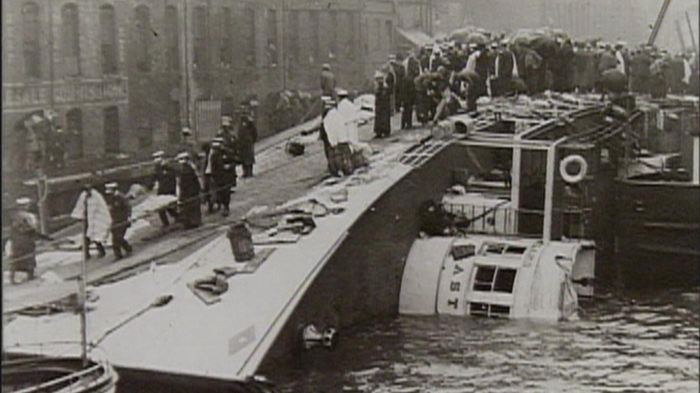The Eastland Disaster on the Chicago River