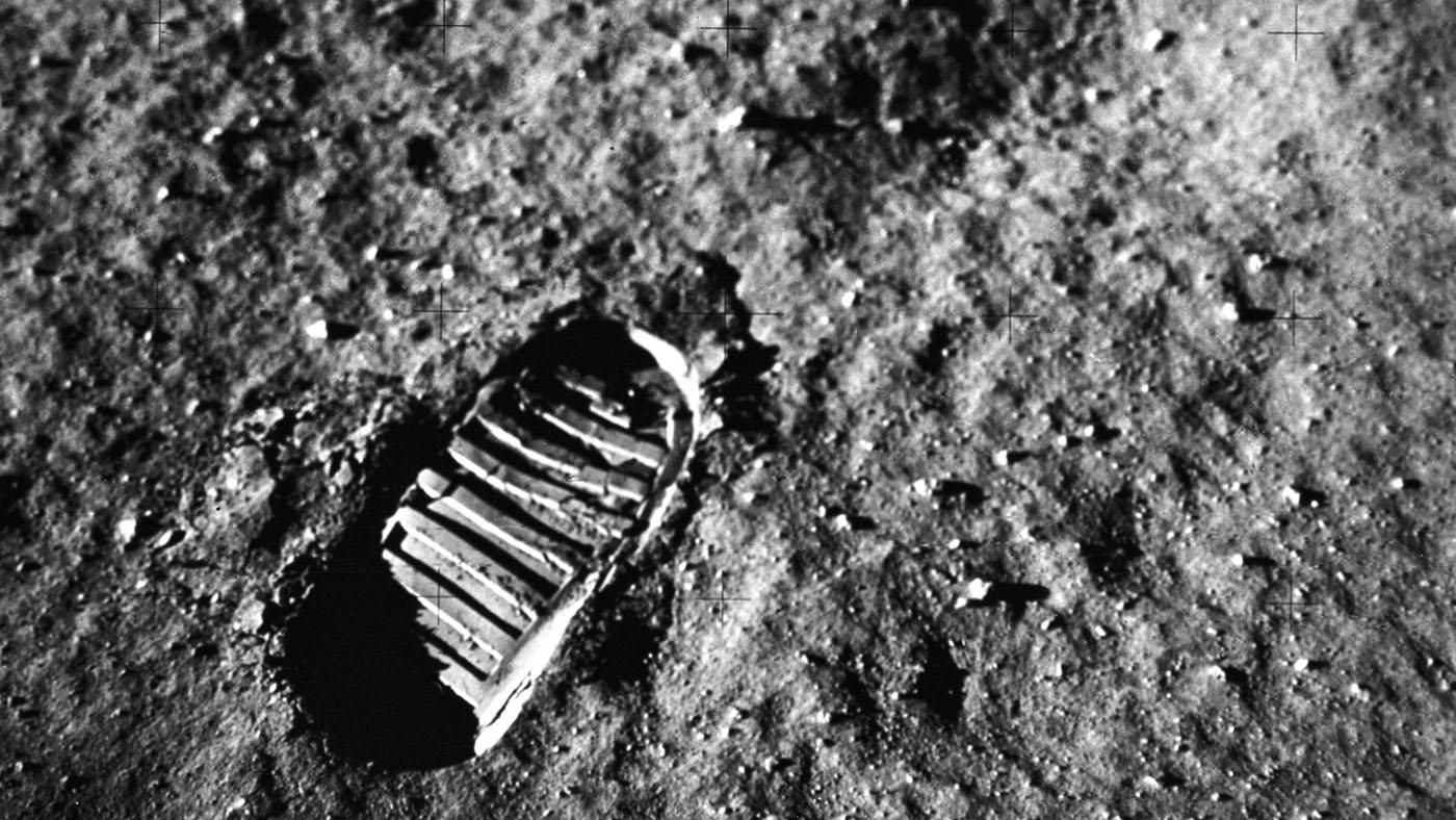 Old Fashion celebrates the 50th anniversary of Apollo 11 ... |Moon First Step Onto