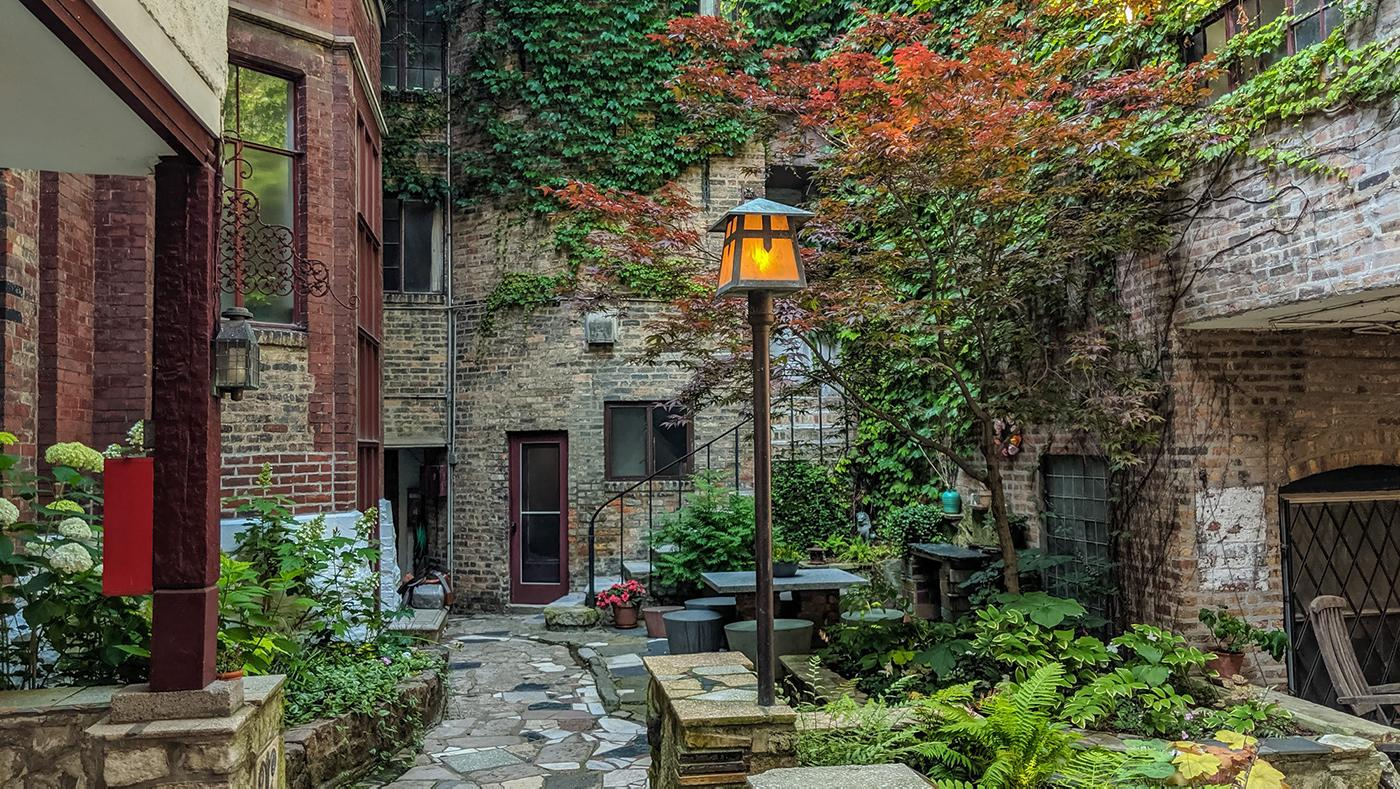 A courtyard in the Carl Street Studios. Photo: Eric Allix Rogers