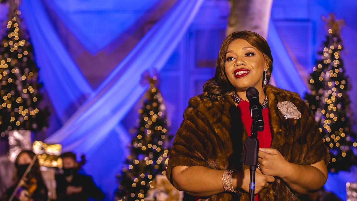 Carmen Ruby Floyd in 'Ella Wishes You a Swinging Christmas.' Photo: Kevin Parisi/American Pops Orchestra, Inc
