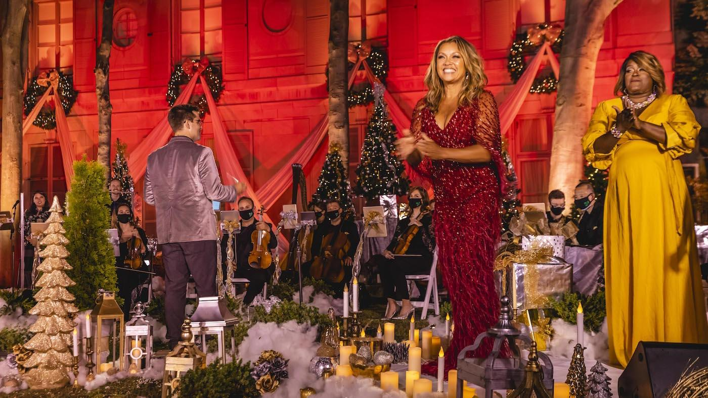 Ella Wishes You a Swingin' Christmas. Photo: Kevin Parisi/American Pops Orchestra