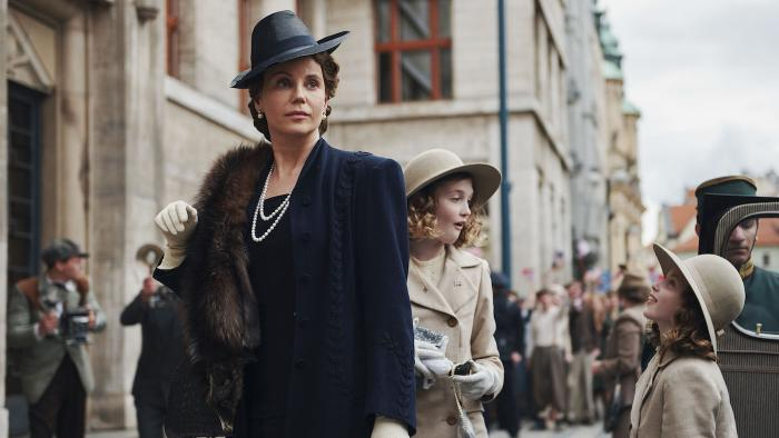 Princess Märtha and her daughters in New York in 'Atlantic Crossing'
