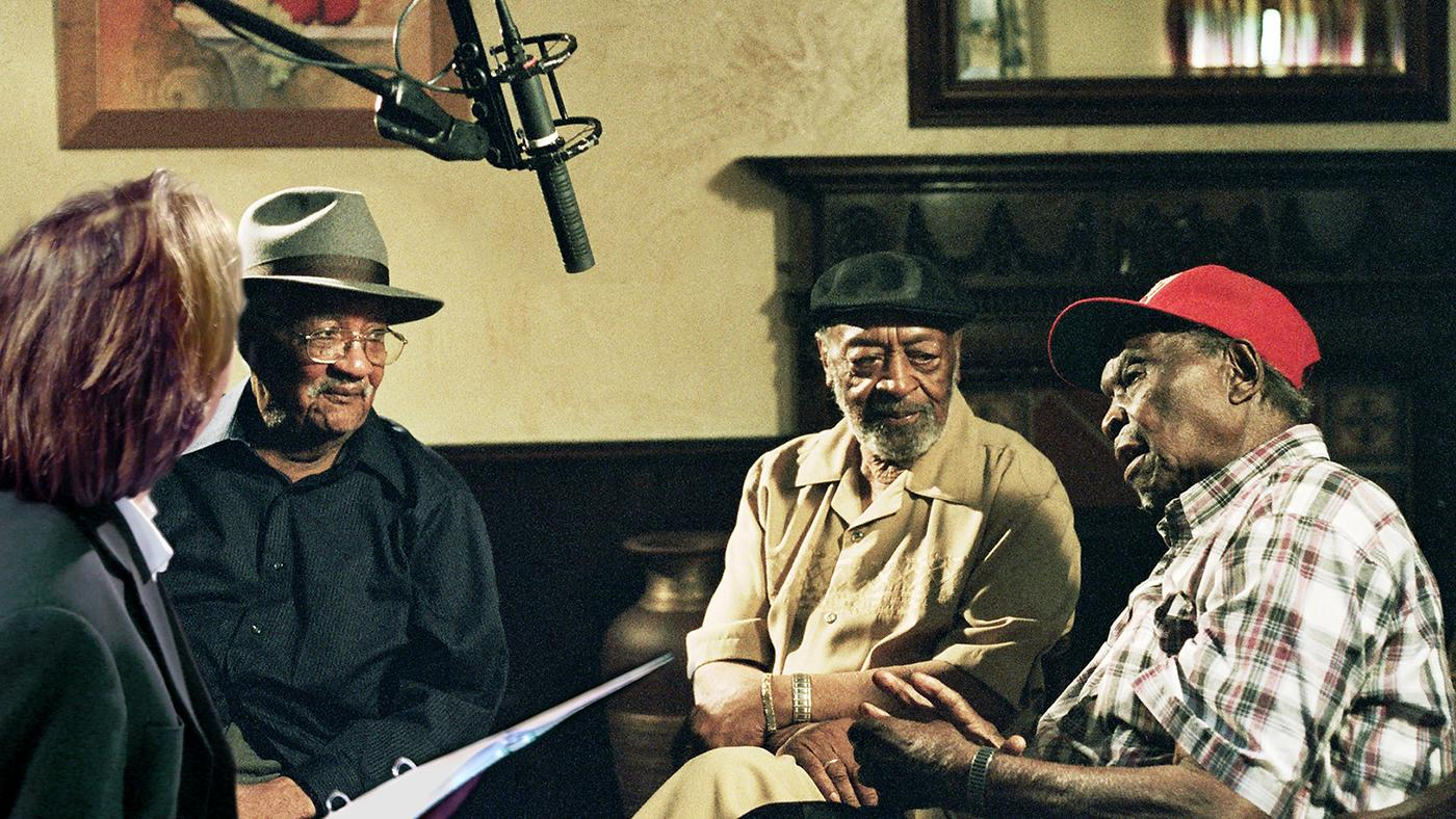 Bernard MacMahon interviewing Homesick James, Robert Lockwood Jr. and Honeyboy Edwards. Photo: ©2017 Lo-­‐Max Records Ltd.