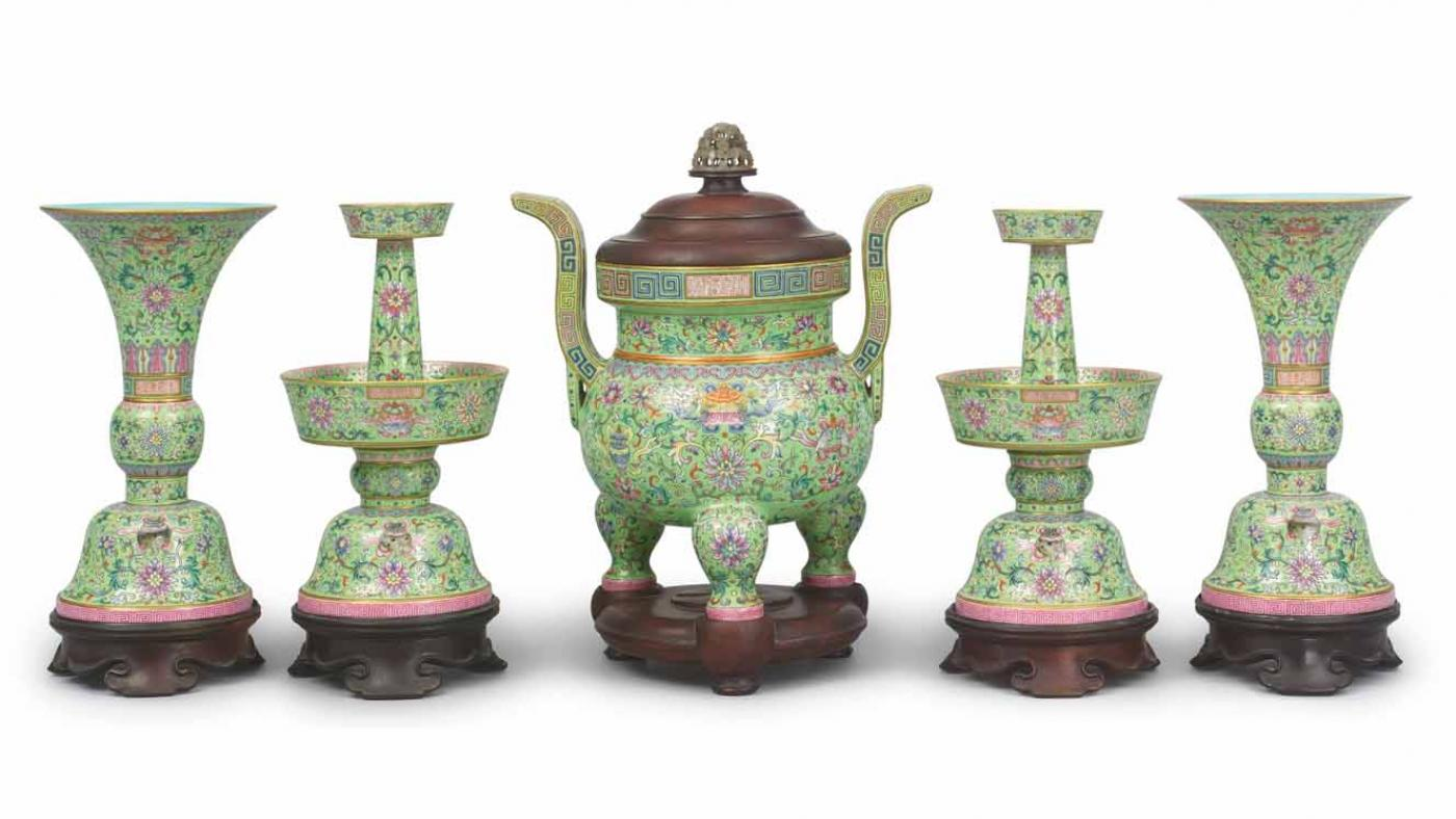 Altar Set, Qing dynasty, Jiaqing reign mark and period. Photo: Courtesy of the Art Institute of Chicago.