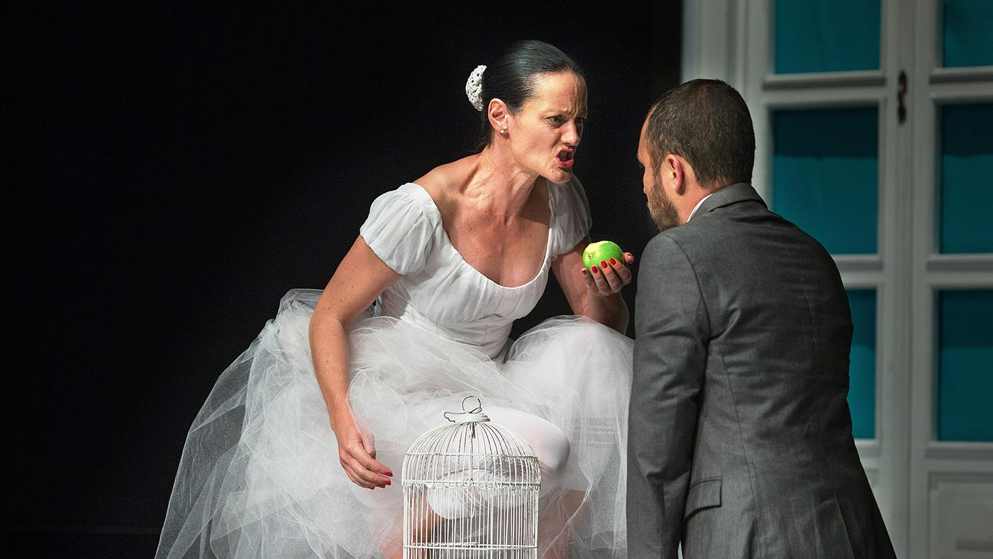 Miss Julia will be performed by Colombia's Vueltas Bravas Producciones in Steppenwolf's 1700 Theatre. Photo: Federico Rios