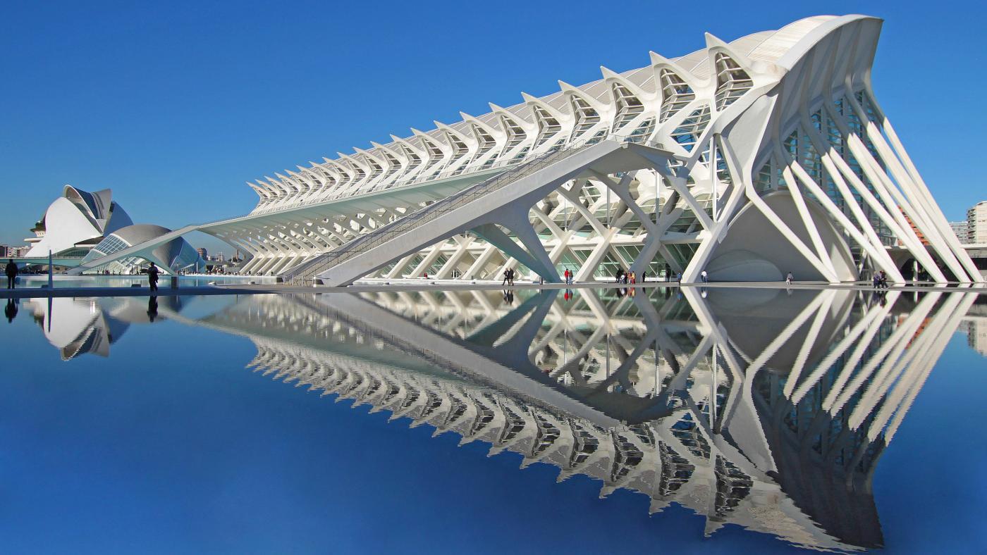 Santiago Calatrava's El Museu de les Ciències Príncipe Felipe in Valencia. Photo: Wikimedia Commons, user: HuseyinUlucay