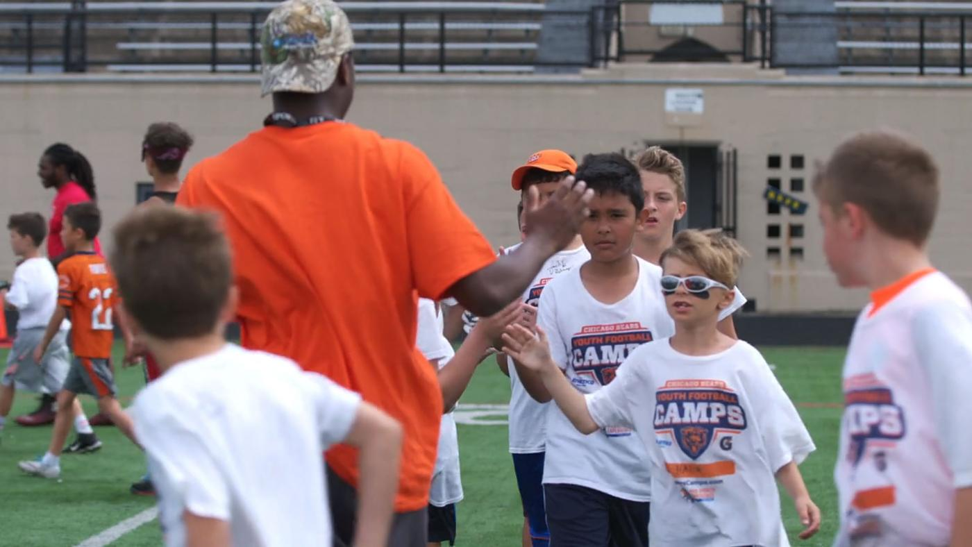 Mike Leonard football camp
