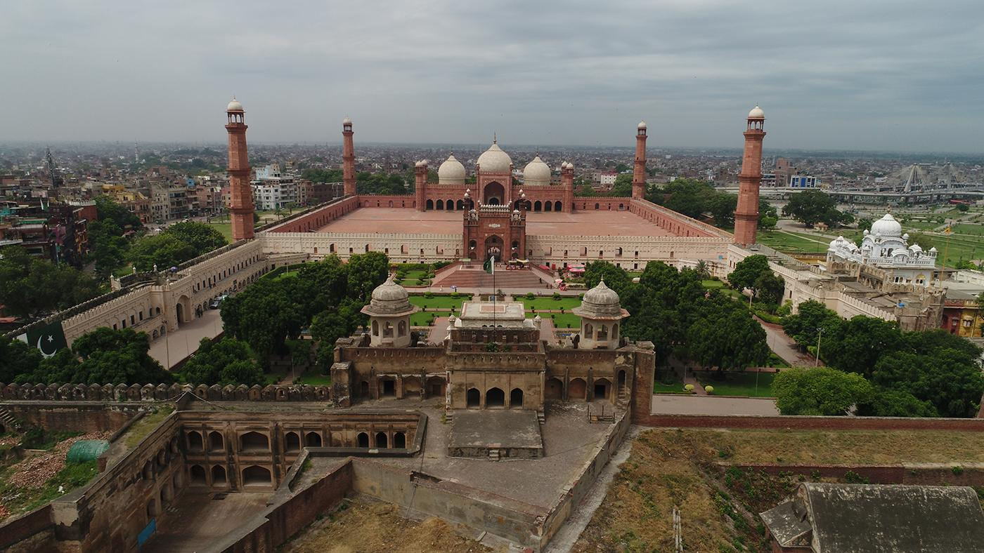 Walled City of Lahore, Pakistan, rebuilt by Emperor Akbar, 16th Century. Photo: Nutopia Ltd
